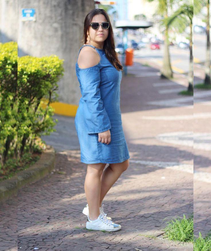 """170 curtidas, 6 comentários - 📍ABC-Paulista (@camila_ticiane) no Instagram: """"Agora com um tênis 😱 é ou não é um outro look?! Esse vestido irá andar sozinho por ai 😂😍 Na…"""""""