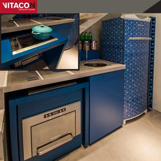 Mais espaço na cozinha: o fogão saiu da bancada e foi para um compartimento encaixado na parte de cima do forno. Esta dica veio do decorado do VN Alvorada - o compacto da família moderna. Duplex 1 ou 2 suítesÁreas Privativas: de 55 a 108m²Rua Alvorada, Vila Olímpia#vitacon #imóveisSP #apartamentosinteligentes #móveisinteligentes #arquitetura #decoração