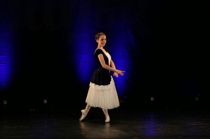 Variación del pas de trois del Lago de los cisnes. Segundo premio en el Concurs Escolar de Dansa.