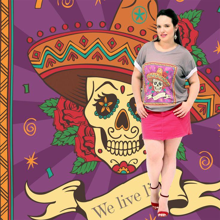 Camiseta Vamos Viver a Vida Feminina Marca VICKTTORIA VICK Plus Size Camiseta com o motivo divertido da caveira Mexicana a Morte; Uma camiseta para momentos divertidos. Para animar a vida, pois suas cores são vibrantes! Com uma energia de alegria, diversão e bom humor! #camisetaplussize #plussize #modaplussize #modaplussizebrasil #mulherplussize #mulheresplussize #tamanhogrande