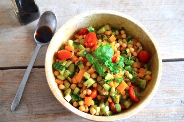 Deze post-workout salade van Rens Kroes is goed voor je spieropbouw na een flinke sportsessie: http://glamour.nl/jnfnzd4t2