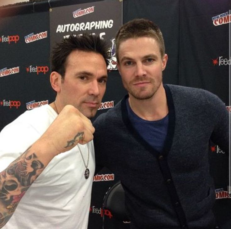 """Jain David Frank and Stephen Amell. Tommy Oliver and Oliver Queen. Green Ranger and the Green Arrow. """"Green Ranger, you have NOT failed this city."""" #SonGokuKakarot"""