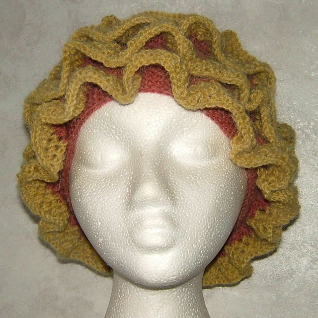 Florence - Hyperbolic knitted hat