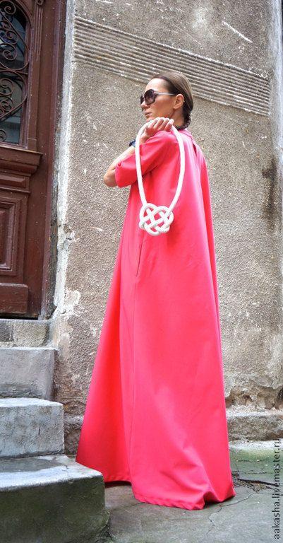 Купить или заказать Платье Maxi Dress  Watermelon в интернет-магазине на Ярмарке Мастеров. Модное, экстравагантное, летнее платье в пол. Простой и в тоже время сложный крой, придают платью шарм, оригинальность, свободу, комфорт. Вы можете носить его свободным, можете одеть с пояском. С обувью вы так же можете экспериментировать. Я уверена вы полюбите это платье, оно бросает вызов моде и окружающим. Возможно выполнить в цветах: Черный Светло -серый Бежевый Арбузный ( как на фото) Темно&hel...