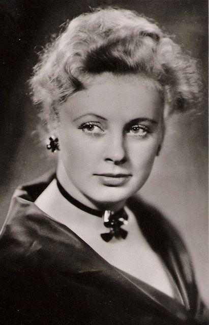 Alla Larionova(1931-2000)