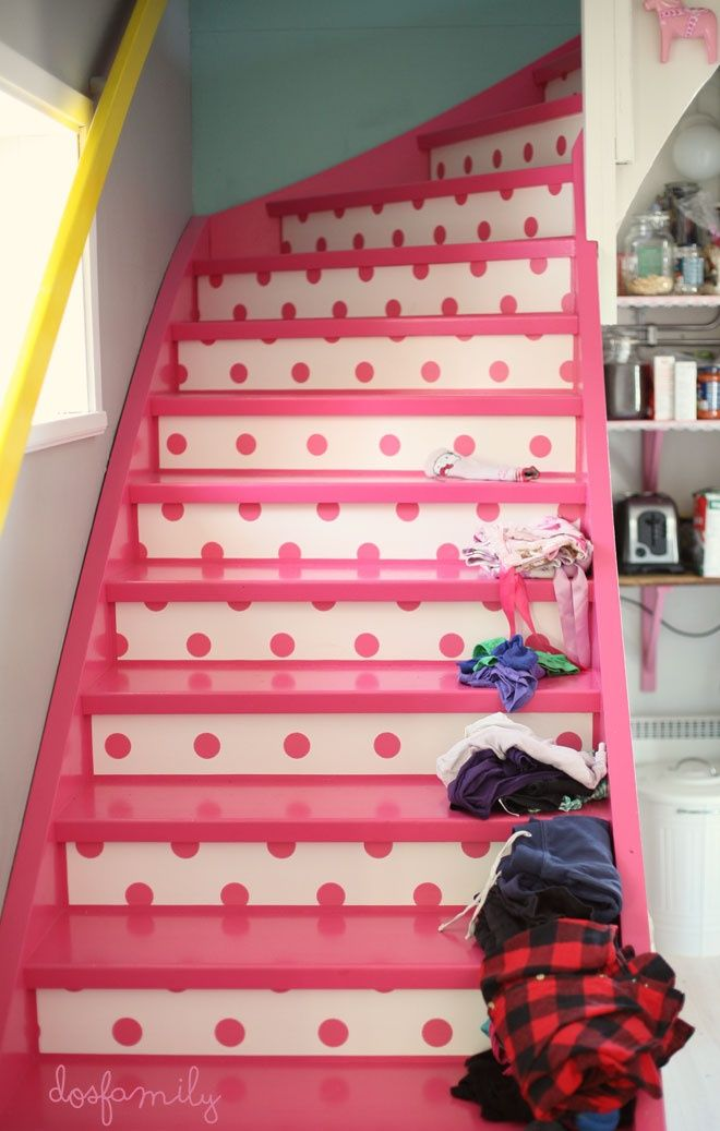 pink polka dot stairs, Dos Family on Remodelaholic