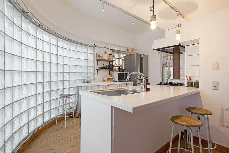Glass Blocks|大阪のリノベーション会社 GLADDEN(グラデン)|マンション・ツーバイフォー住宅・モールディングのリノベーション|大阪北摂・豊中市・吹田市・高槻市・茨木市・箕面市