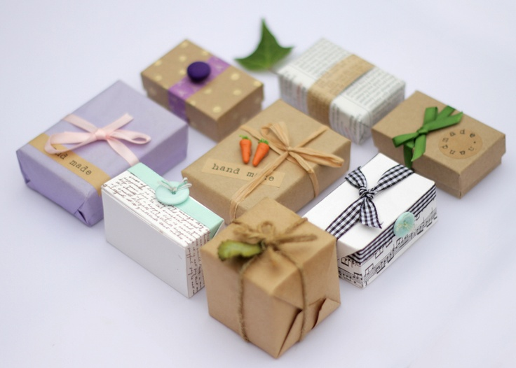 tiny gift packaging