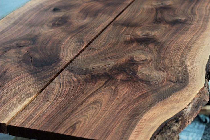 Walnut table top by Pracownia Stołów