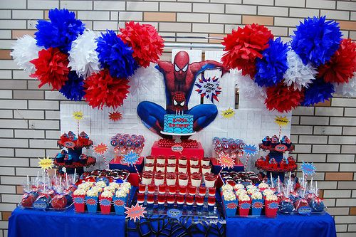 Xavi 39 s the amazing spiderman dessert table spiderman deco anniversaire et decos - Deco anniversaire spiderman ...