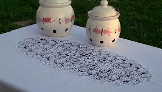 Monart tablecloth with oval hand made crochet! Orders at: monart.haft@wp.pl
