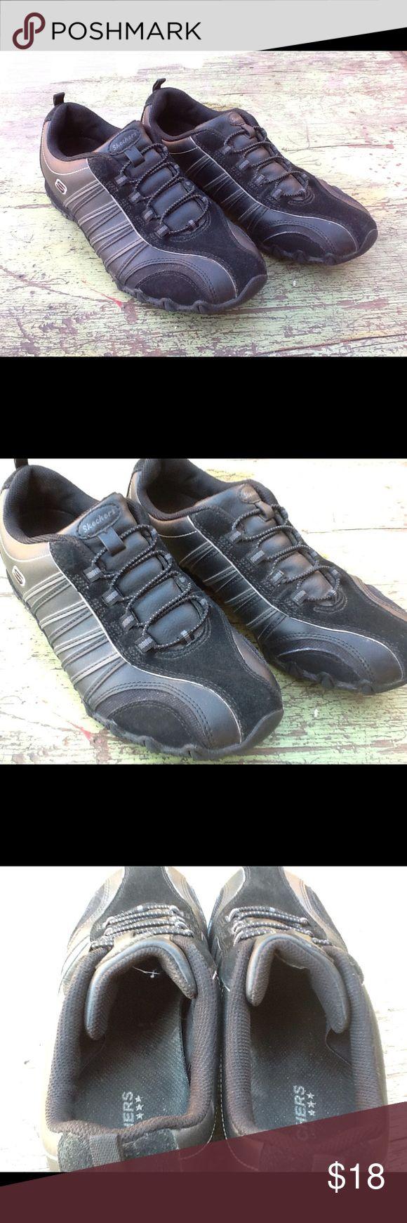 Black Skechers Size 8 Good shape black Skechers. Skechers Shoes Sneakers