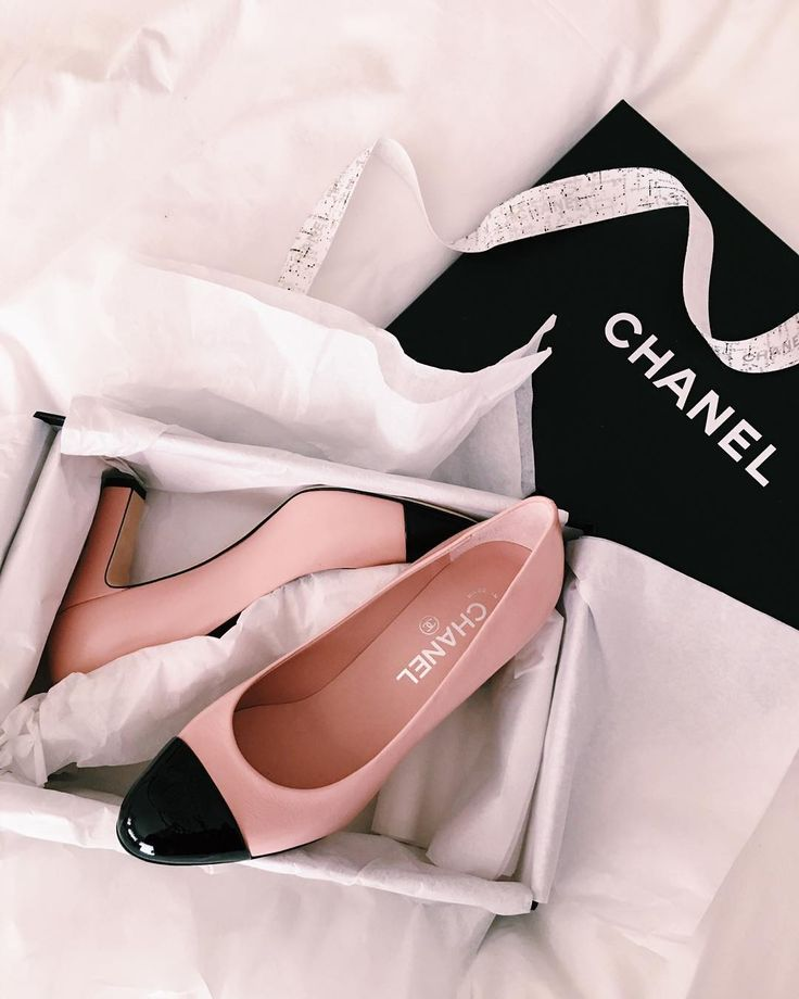 I blame @rosielondoner for this purchase  but not mad about it one bit #newin #chanel #shoes #pink