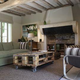Luxe vakantiehuis in de Bourgogne vind je bij Cazebonne. Kijk op onze website voor meer vakantiehuizen en villas in Frankrijk.