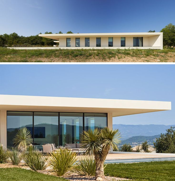 Pin By Mohamed O On Modern Villas: A Garden Runs Between The Two Wings Of This House In