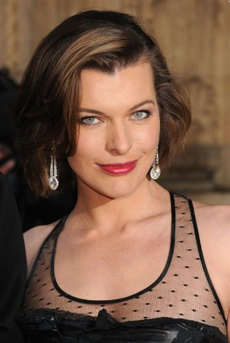 Deep Side Parted Bob Hairstyle - Glamorous Bob Hairstyles 2014 - Milla Jovovich Hairstyles