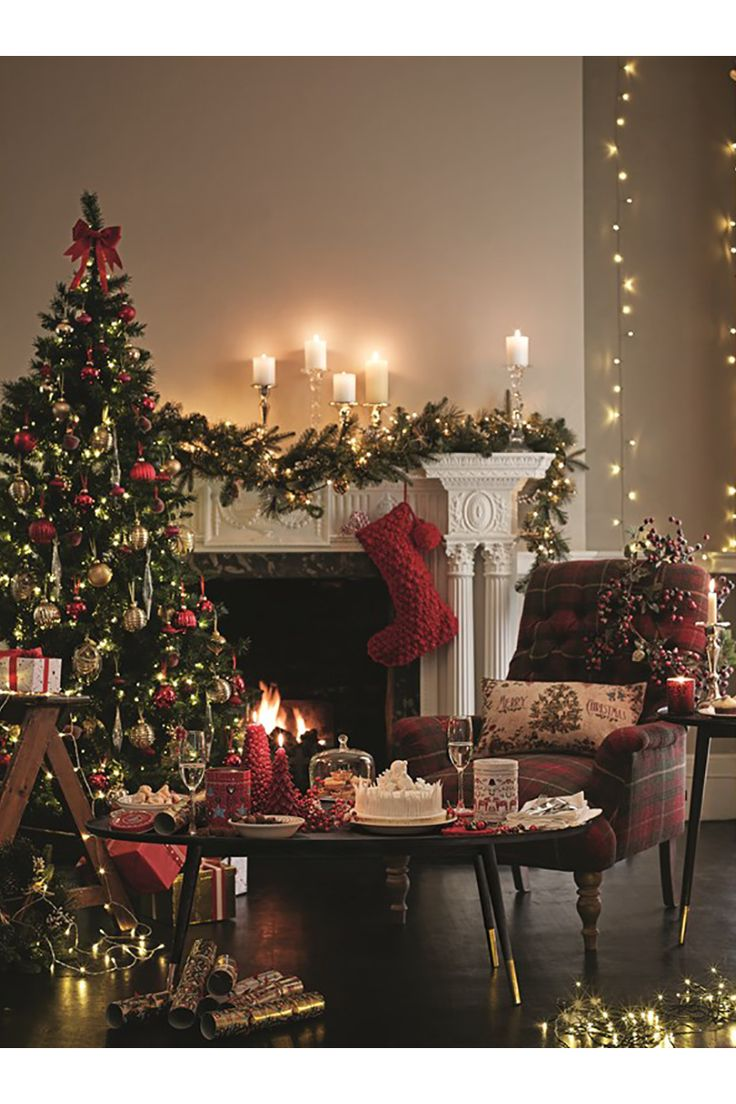 Christmas decorated rooms - Get Inspired By These Lighting Design Ideas For Your Living Room This Christmas Www