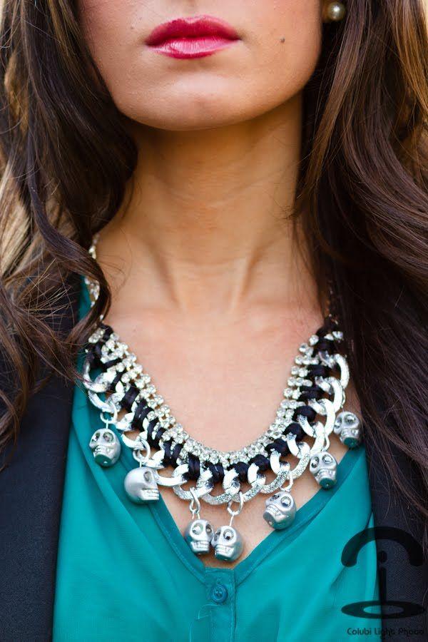 » DIY Collar con calaveras Crimenes de la Moda