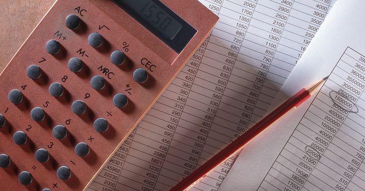 Cómo hallar la varianza de la muestra y la desviación estándar. La varianza y la desviación estándar son pruebas estadísticas que pueden realizarse para explicar los datos de una muestra determinada. Una muestra es un conjunto de datos numéricos. Suele incluir los resultados de una encuesta o de un experimento. La varianza de la muestra mide qué tan alejado están los resultados reales de los esperados. La ...