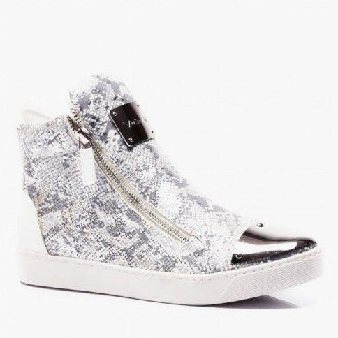 Trampki Lace White Silver Koronka, blaszane ozdoby, brokat... Trampki Lace Silver to połączenie kilku największych trendów! Zdecydowanie przyciągają uwagę każdego! #sneakers #glitter