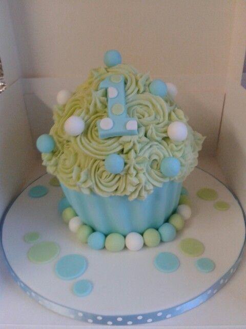Giant Cupcake 1st Birthday   Makenzie Kay   Cupcake cakes ...