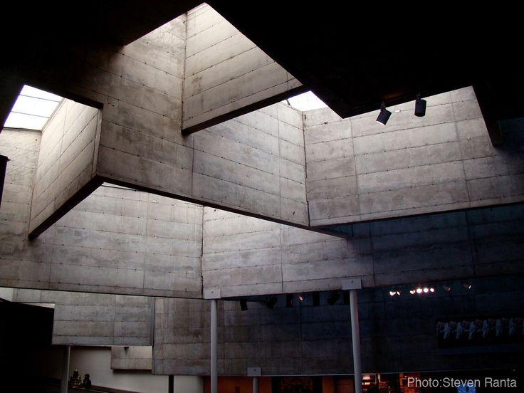 The *former* Berkeley Art Museum. Architect: Mario Ciampi. I miss it!