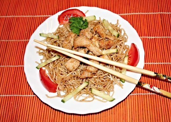 Vietnamské restované nudle