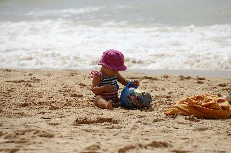 Tuesday's Tip: Zo verwijder je strandzand van je lichaam (en dat van je kind(eren))  http://dejlig.nl/verwijder-strandzand-van-je-lichaam/