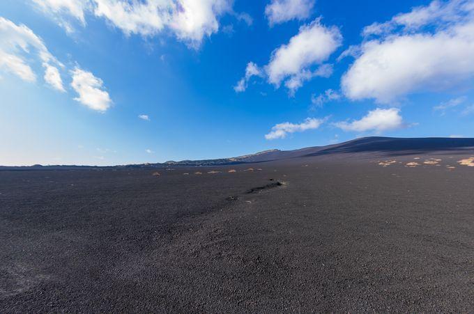 「日本で唯一の砂漠」は東京にあった!伊豆大島の「裏砂漠」伊豆大島の観光スポット