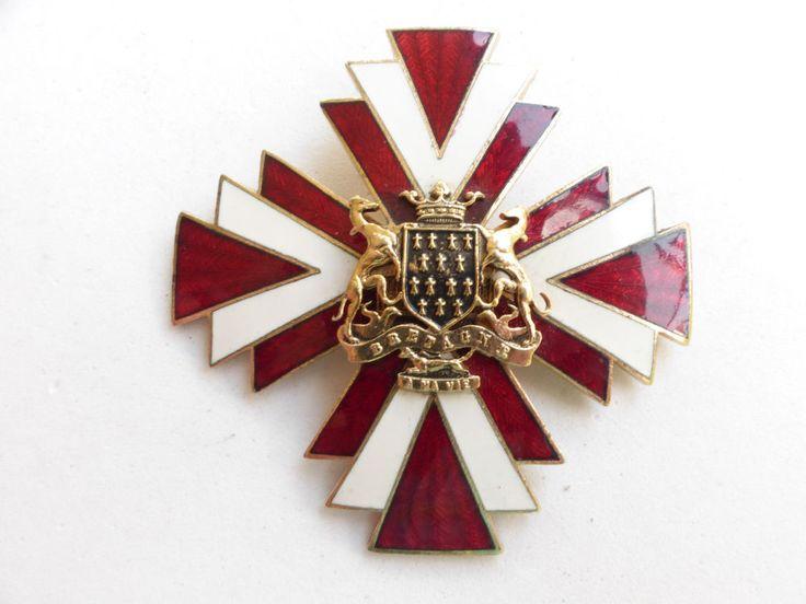 Rare Accessocraft Nyc Red Guilloche Enamel Maltese Cross