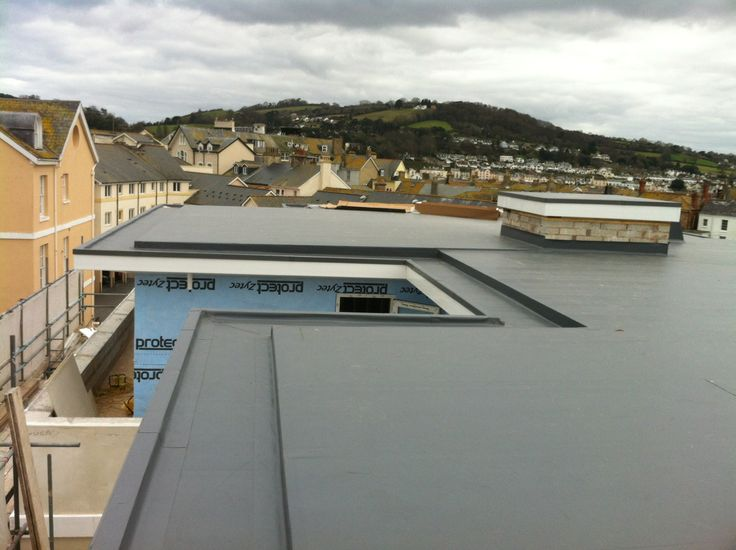 Single Ply Roofing With Gutter Detail