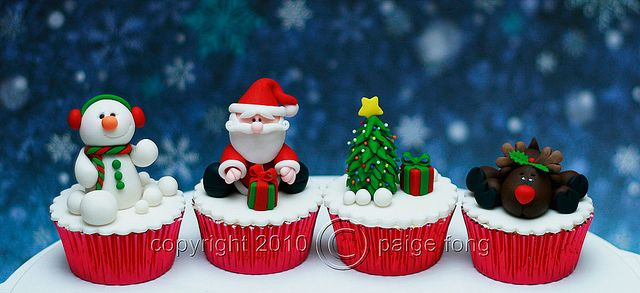 Christmas Cupcakes by Paige Fong, via Flickr