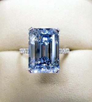 8.90-carat fancy vivid blue diamond, Thomas Michaels Designers