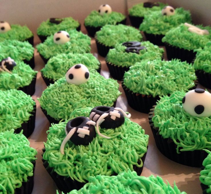 Cupcakes for a footy mad fortieth