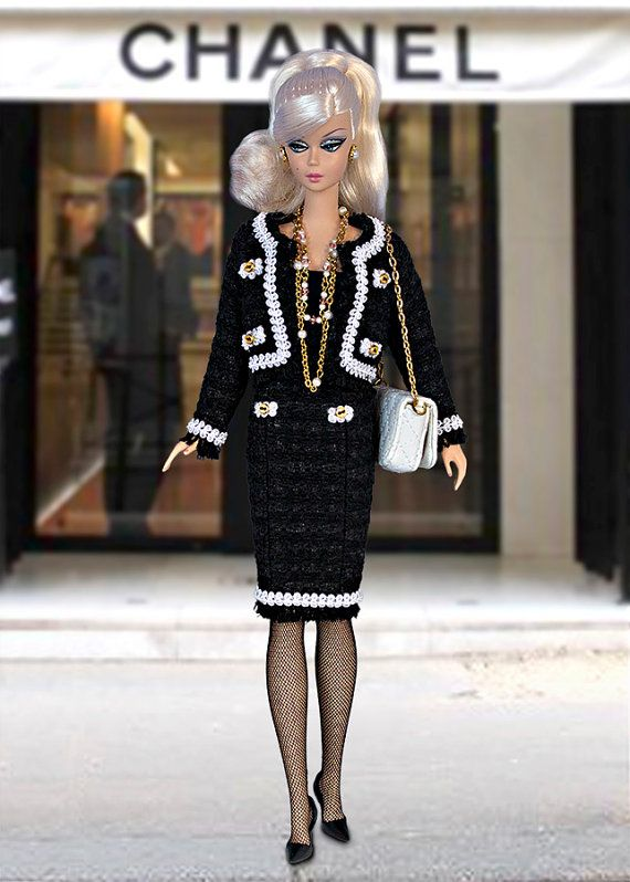 Black&white Chanel style suit (with black mini-sequins) for Barbie and Poppy Parker dolls (1:6 scale). JACKET AND SKIRT ONLY!!! Doll, shoes, t-shirt, bijouterie, diorama, etc. are not included. From smoke free and pets free office. We ship worldwide and combine shipping. Visit our blog for more photos: http://barbieropayaccesorios.blogspot.com Thank you