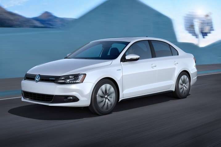 After nearly decades of upgrading diesel engines for conventional passenger cars, the legendary Volkswagen Motors Group has finally included a hybrid model to its fuel efficient lineup with the upcoming 2013 Jetta hybrid. Let's discuss about all its significant aspects in detail in the below presented sections.