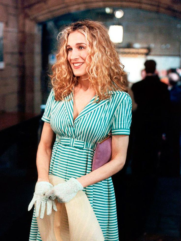 10 incredible Carrie Bradshaw fashion moments- ellemag