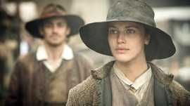 Jessica Brown Findlay and Matthew McNulty as Mary Yellan and Jem Merlyn