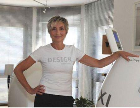 """Frag den HYPOXI Coach: Heute:""""Was ist mit dem Jojo-Effekt?""""  Susanne Gebhardt, HYPOXI-Studio Hagen: """"HYPOXI wirkt schnell und nachhaltig. Erste Ergebnisse sind nach wenigen Anwendungen sichtbar. Die persönlichen Ziele erreicht man in der Regel in ein bis drei Monaten. In dieser Zeit kommt es zu einer deutlichen Aktivierung des Stoffwechsels, in Kombination mit einer ausgewogenen Ernährung verhilft dies zu einer Figurformung, die langfristig anhält."""""""