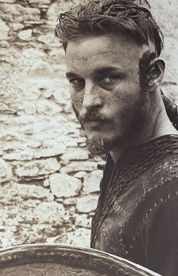 En el papel de Ragnar en 'Vikingos'