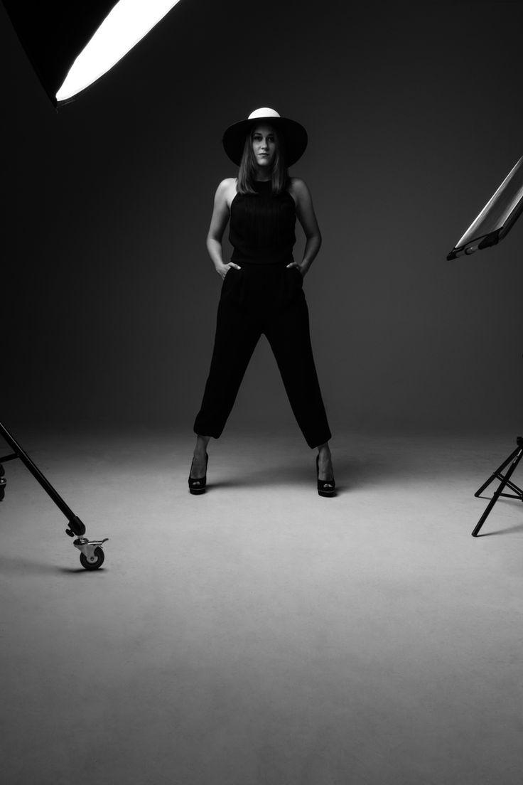 Rubina_Vogue_50mmStudio (49 von 108)-PhotoshopCC.jpg