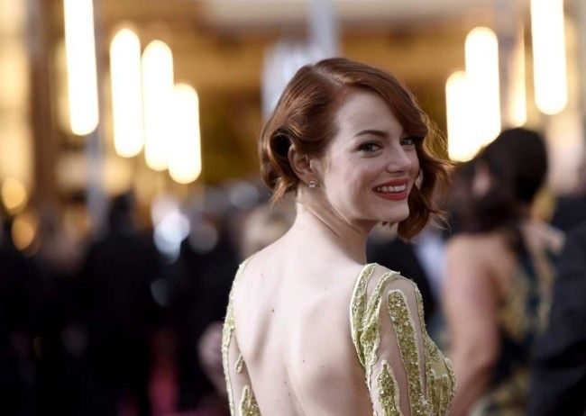 Million dollar baubles: the most expensive jewellery at the 2015 Oscars  : A ranking - from least to most expensive - of the jewels on the Academy Awards red carpet. Prices in Australian dollars.  Emma Stone The emerald-cut diamond stud Tiffany and Co. earrings in platinum worn by Stone are worth $142,232. Add to that two rose-cut diamond cuffs in 18-carat yellow and white gold (price upon request) by the jeweller.