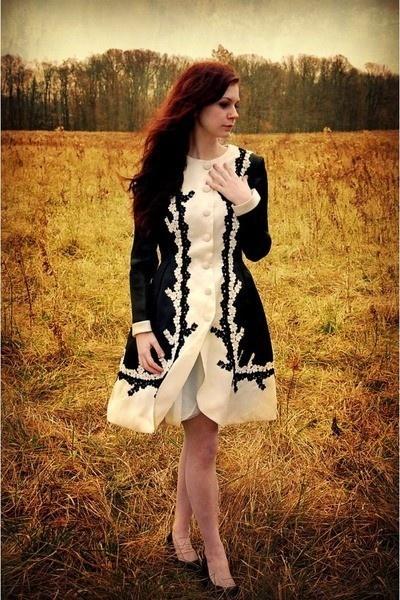 Vintage ~ Lovely: Cute Dresses, Vintage Dresses, Style Inspiration, Black And White, Fashion Bashion, Coats Jackets, Dresses Tags, Fashion Inspiration, Photo Shoots