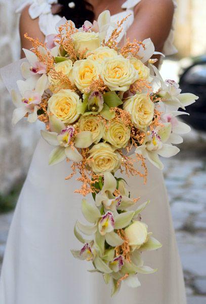 bruidsboeket: geel-bruidsboeket-druppelvorm