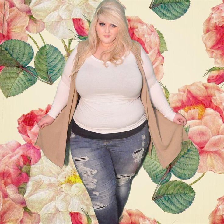 The casual-est of the fridays. Dusdards #plussizemodel #bigandbeautiful #laceycarroll #novababe