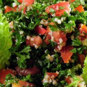Libanonska kuhinja sastoji se od najneobičnijih komponenti kulinarskih kultura istoka, a njeni se okusi nezasluženo svrstavaju u kategoriju Bliskog Istoka.