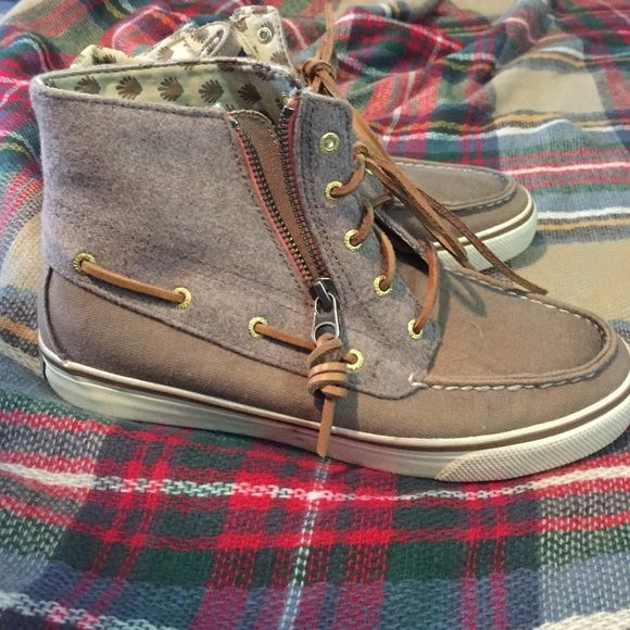 Sperry high tops Sperry high top women's shoes. Worn one time! Can be worn up or rolled down. Look great with pants, capris or shorts! Sperry Top-Sider Shoes Ankle Boots & Booties