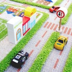 IVI 3D Play Rug Traffic Green detailed Close up