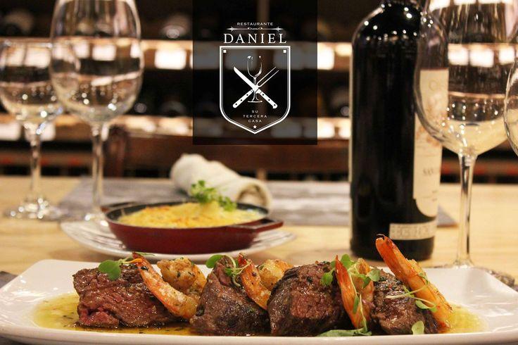 El maridaje de vino y comida es una de nuestras búsquedas principales! Los invitamos a visitar nuestra tienda con una selección de vinos muy amplia perfecta para acompañar su cena! www.daniel.com.co/Boutique90
