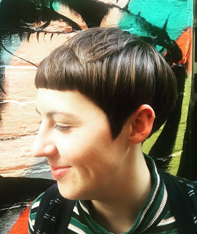 FANCY A FRINGE • We are in love with this creative cut today on the lovely Lauren!! 💁🏼 Cut by Jamie  @toniandguyau @toniandguyperth…